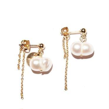 twin pearl earrings(両耳)