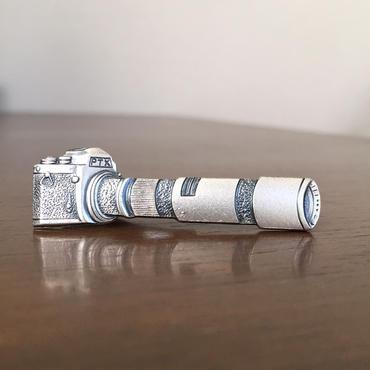 カメラのネクタイピン