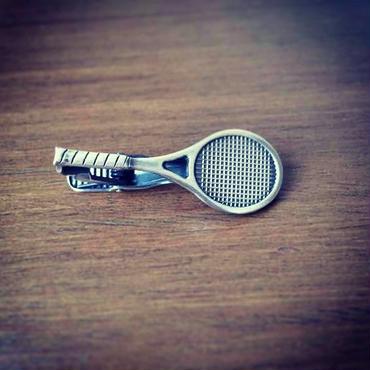 テニスラケットのネクタイピン