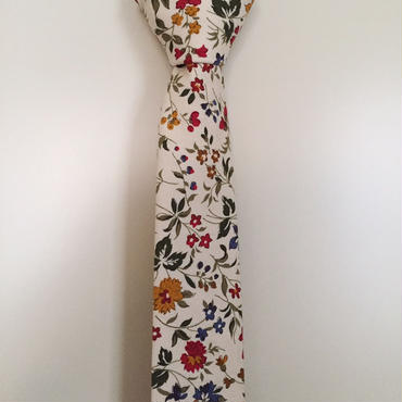 オフホワイト花柄ネクタイ