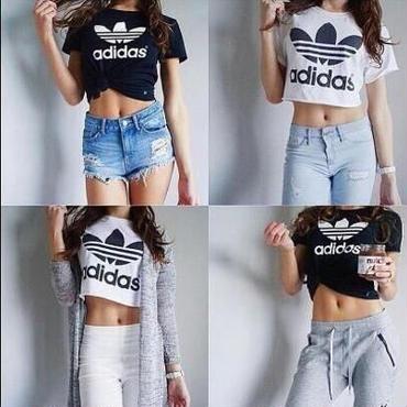 人気新品 腹出しTシャツ ブラックとホワイト選択