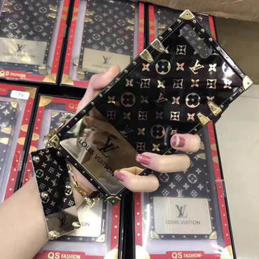 Louis Vuitton ★本革手帳型 ★iphone専用ケース/カバー  XLM5301