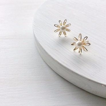 あこや真珠:baby pearl×flower pierce[K10]