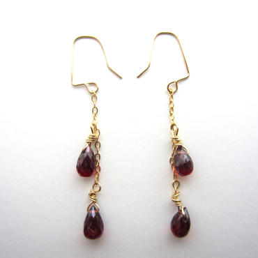 【UE064】 Mozampique Garnet Chain Earring 14KGF(モザンピークガーネットチェーンピアス)