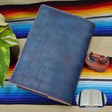 ブックカバー 文庫本サイズ 牛革 ヌメ革 藍色ムラ染め A6判 18063001