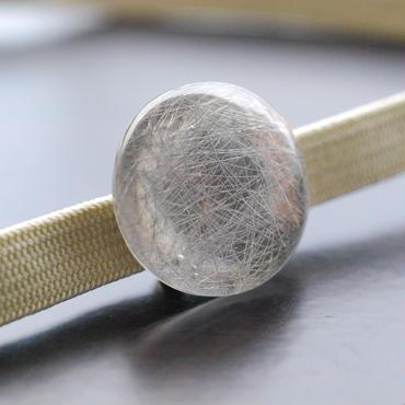 銀糸の帯留