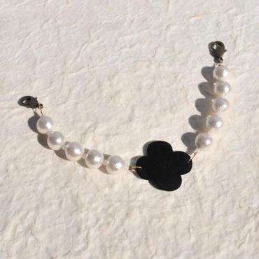 レトロフラワーとコットンパールの羽織紐(黒)