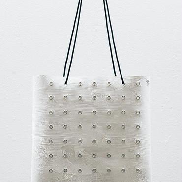 カガリユウスケ 電線 トート バッグ ho-A/wh 壁の穴 整列/白壁