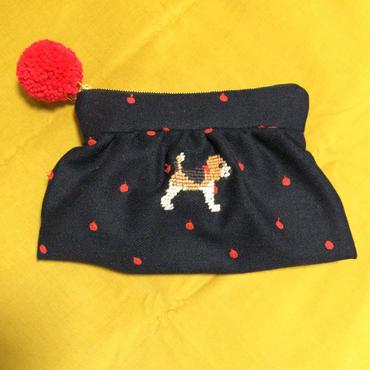 ビーグル刺繍入りウールりんご刺繍生地ギャザーポーチ小