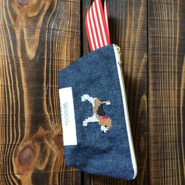 ビーグル刺繍持ち手付き台形ポーチ デニム生地