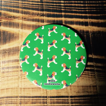 ビーグル刺繍プリント缶ミラー 鏡 コンパクト
