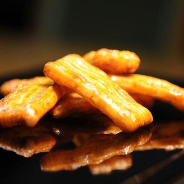 山崎屋特製 あられ おかき 国内産もち米使用 しょう油味(70g入り)