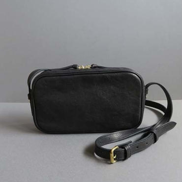 rectangle shoulder bag (black)-02