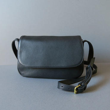 plain shoulder bag ( black )