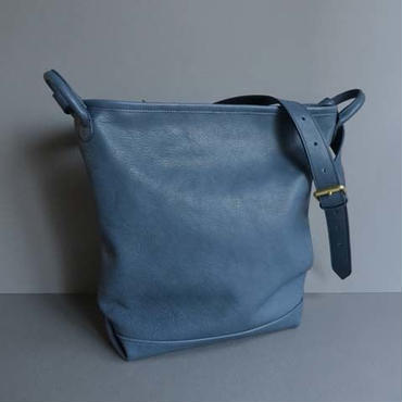 bucket shoulder bag      ( blue )