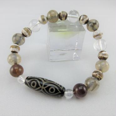 龍眼天珠とエンジェルフェザーアメジストと薬師珠と龍紋瑪瑙と水晶のブレスレット
