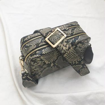 square shoulder (python) ※こちらの商品は12月12日〜16日の発送となります。