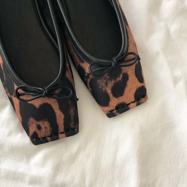 square  stitch ballet shoes (leopard)