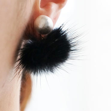 minkfurball earring black
