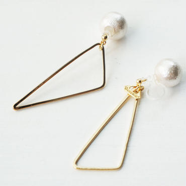 deformation triangle earring