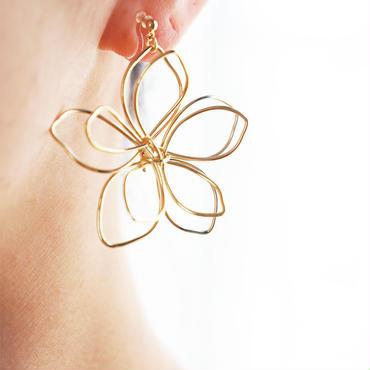 BIG flower earring (樹脂イヤリング)