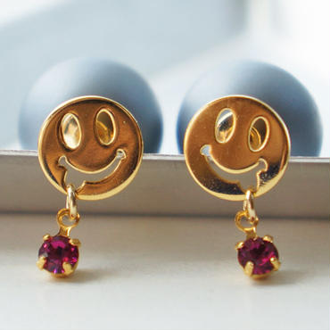 smile+。 pierce plum