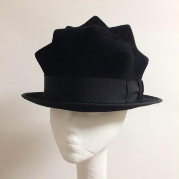 13 SPIKE HAT