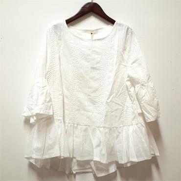WHOO-AA・刺繍裾フリルトップス(W7W2051)