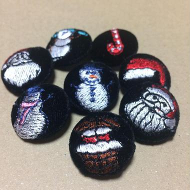 クリスマス柄 22mmくるみボタン(刺しゅう)   クリスマス限定ベロア生地