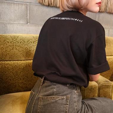 英字ロゴTシャツ/ブラック