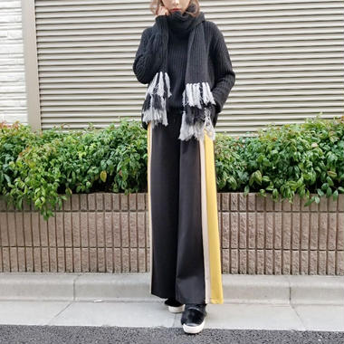 side color line wide pants