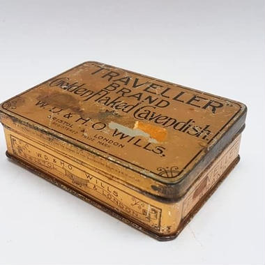 ANTIQUE TOBACCO TIN TRAVELLER BRAND WD & HO WILLS LTD GOLDEN FLAKED CAVENDISH