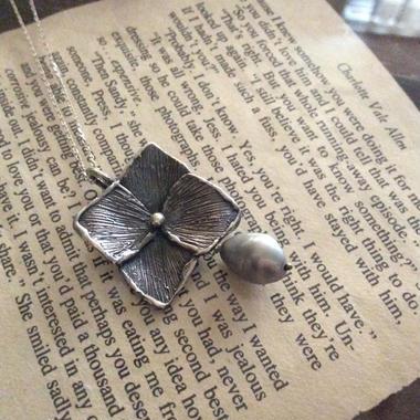 hydrangea  necklace