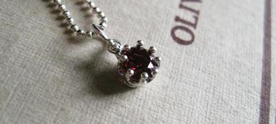 Milk Crown Necklace -Garnet-5mm