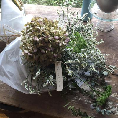 母の日 ドライフラワーの花束(白)