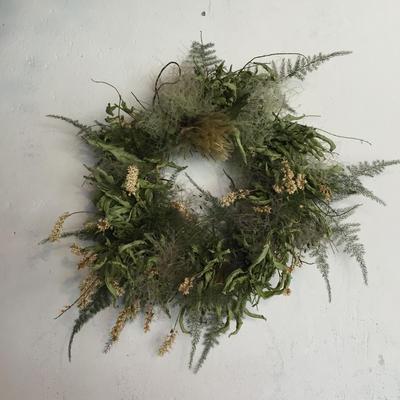 コバナズイナとスモークツリーのドーナツリース