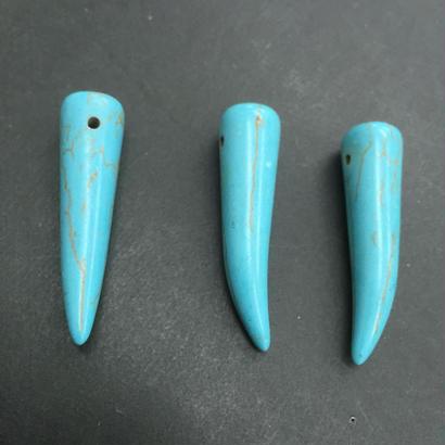 ターコイズ 牙型