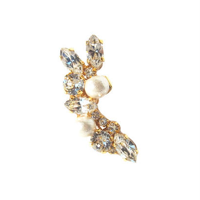 Crystal × Cotton Pearl Ear Cuff