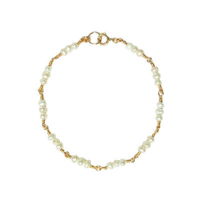 Tiny Pearl Bracelet -Triple-