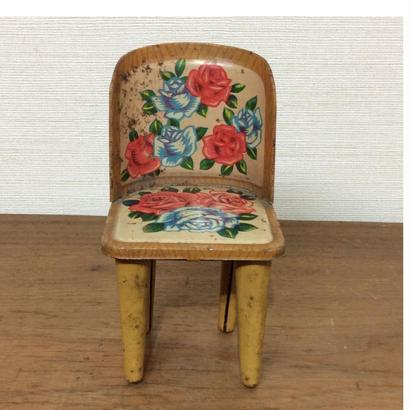 ブリキのおもちゃ椅子
