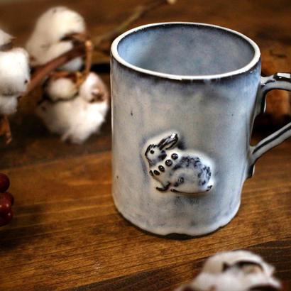 【受注制作】ぴょんぴょんうさぎの大きめマグカップ(ネックレスの装飾つき)
