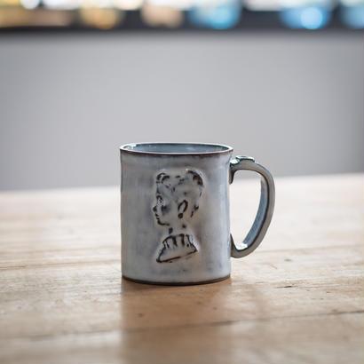 【受注制作】レディーの横顔のマグカップ 高さ8センチ