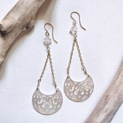 【k14gf 】shell moon earrings
