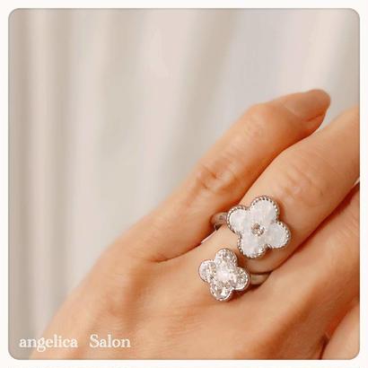 アルハンブラ フラワーデザインリング フォークリング 手元から綺麗な気分をアップ ジュエリーのようなスワロフスキーグルーデコリング/フリーサイズリング   プレゼント