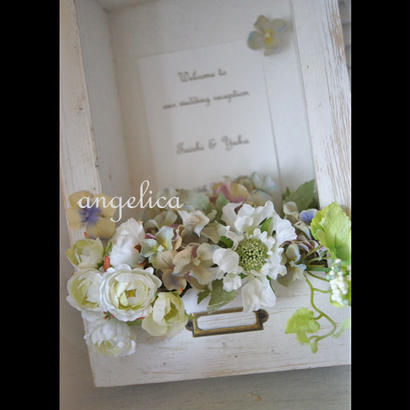 白いウェルカムボード アーティフィシャルフラワー 結婚祝い、記念日、 開店記念に、a-0425