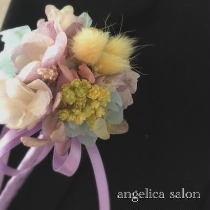 ラプンツェルカラーのコサージュ/卒業式・入学式・結婚式/紫陽花・コサージ