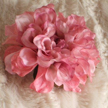 アーティフィシャルフラワー ダリア 花髪飾りコサージュのような コサージュにも髪飾りにもなる2way