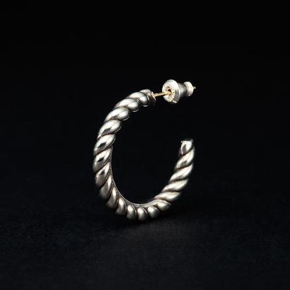 Twist Earring (Single)