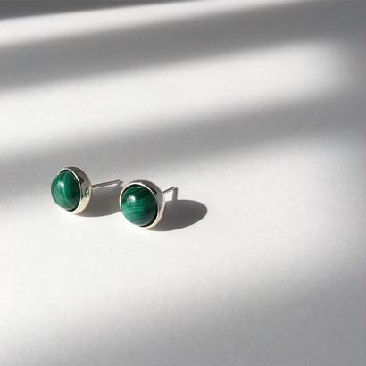 Orb earring in malachite