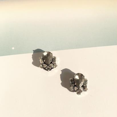Bijoux earring in foggy gray